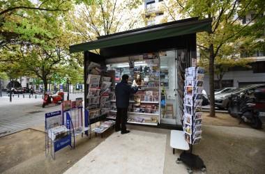 Un nouveau kiosque à journaux au Faubourg de l'Arche