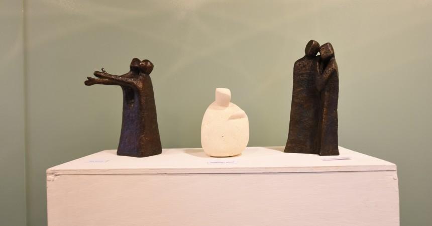 Miryam Barnini expose ses sculptures à Notre Dame de Pentecôte