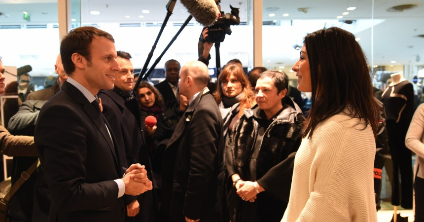 Macron vient à La Défense pour rassurer commerçants et consommateurs