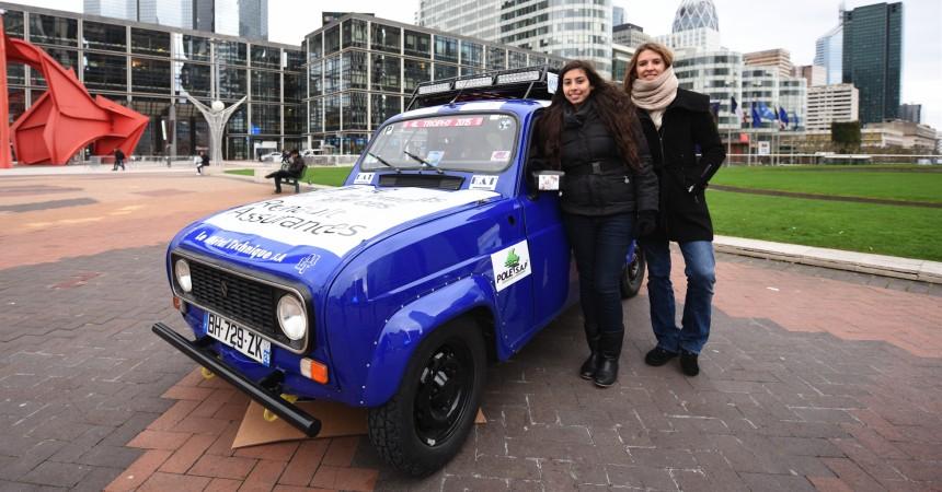 Jehna et Elodie, étudiantes à La Défense vont participer à la 4L Trophy