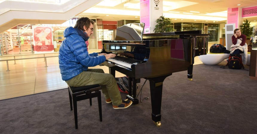 Au Cnit venez jouer du piano librement