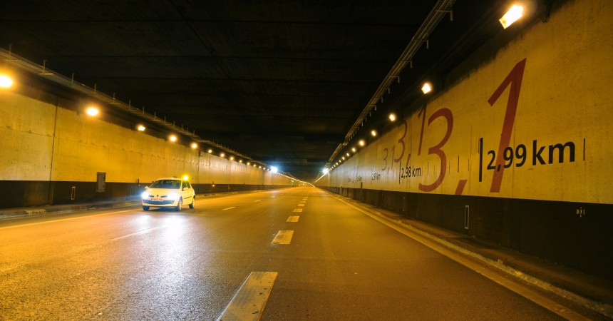 Un véhicule en feu sème la panique dans le tunnel de La Défense
