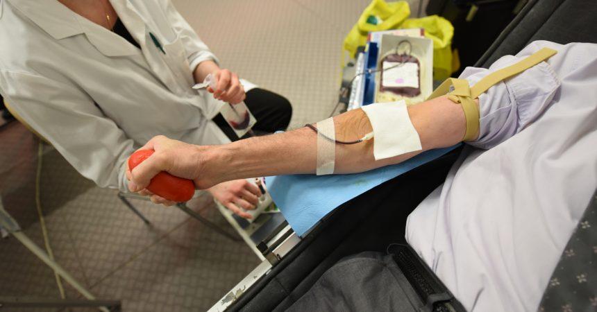 Au pied de l'Arche vous pouvez donner votre sang