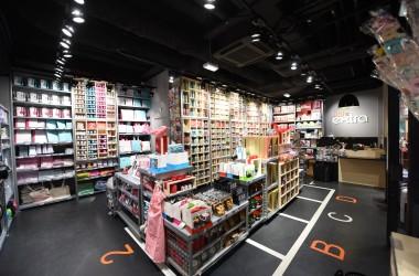 Little Extra ouvre une boutique dans la gare de La Défense