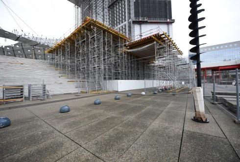 Les travaux de rénovation de la Grande Arche le 11 janvier 2016 - Defense-92.fr