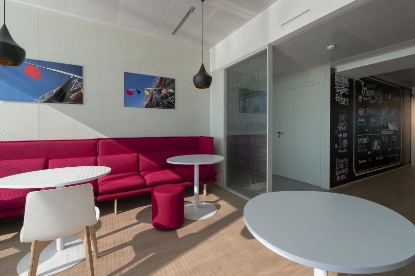 Un espace de détente de KPMG dans la tour Echo - ONSIT Thomas viriot