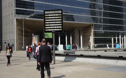 Affichez votre amour sur les panneaux lumineux de La Défense