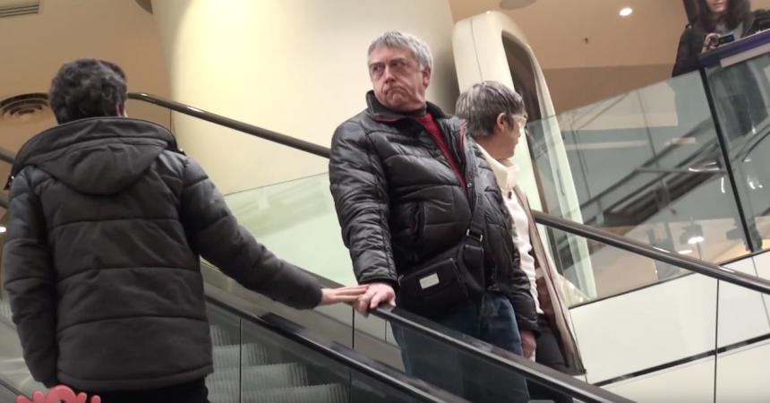 """Leur vidéo """"Love escalator Prank"""" tournée en partie aux 4 Temps fait le tour du monde"""