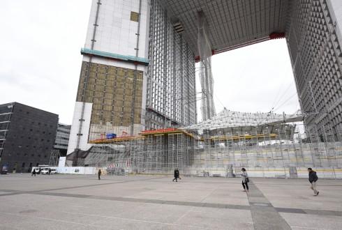 Les travaux de rénovation de la Grande Arche le 21 mars 2016  - Defense-92.fr