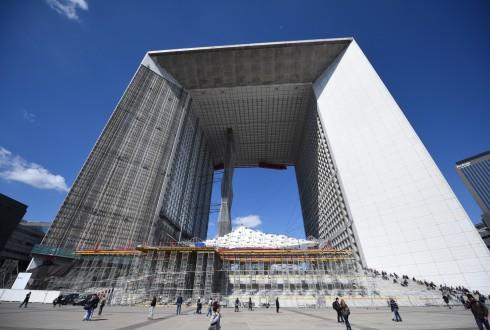 Les travaux de rénovation de la Grande Arche le 18 avril 2016 - Defense-92.fr