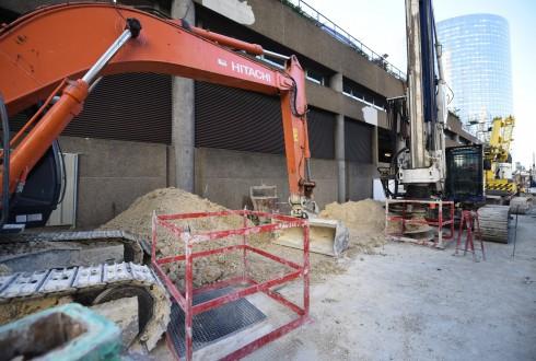 Les travaux préparatoires de la tour Trinity le 18 avril 2016 - Defense-92.fr