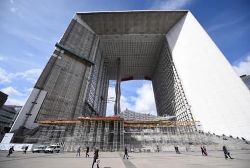 Les travaux de rénovation de la Grande Arche le 4 avril 2016 - Defense-92.fr