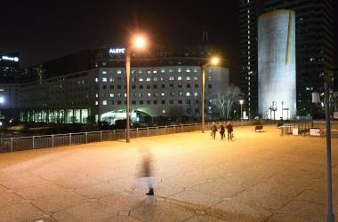 Deux candélabres Starck pour éclairer l'esplanade de La Défense