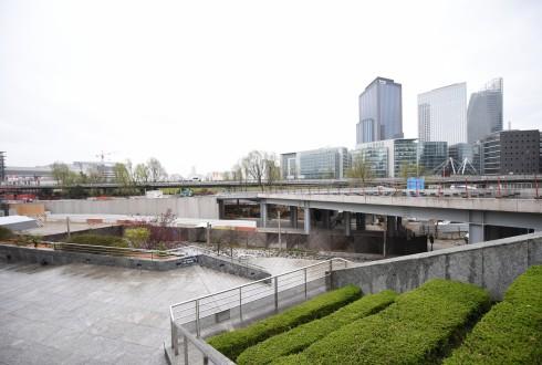 Les travaux de la promenade de l'Arche le 11 avril 2016 - Defense-92.fr