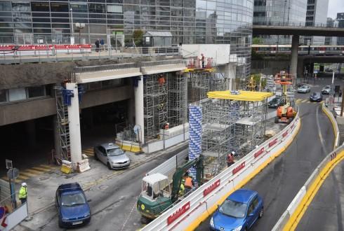 Les travaux préparatoires de la tour Trinity le 25 avril 2016 - Defense-92.fr