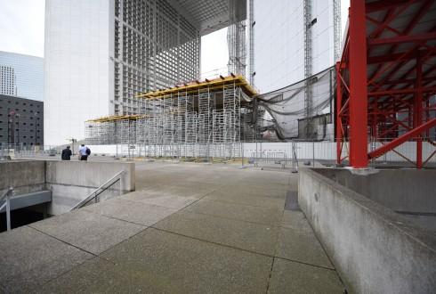 Les travaux de rénovation de la Grande Arche le 9 mai 2016 - Defense-92.fr