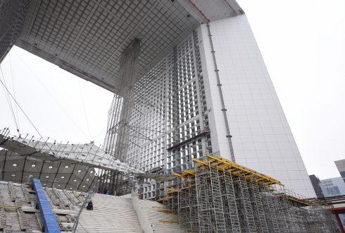 Les travaux de rénovation de la Grande Arche le 6 juin 2016 - Defense-92.fr