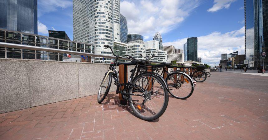A La Défense vous avez désormais 600 arceaux pour accrocher vos vélos