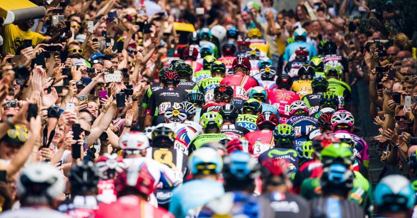 """Un """"Fan Park"""" sur le parvis pour accompagner le passage du Tour de France à La Défense"""