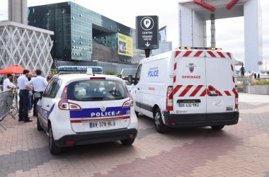 Double alerte au colis suspect jeudi soir à La Défense