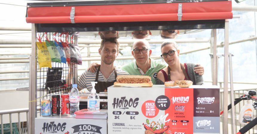 A La Défense Vincent Leopold vous propose ses hot-dogs à toute heure