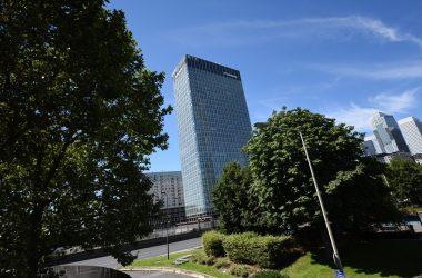 La doyenne des tours de La Défense fête ses cinquante ans