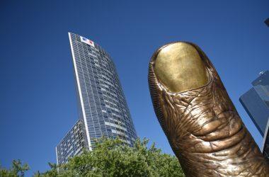 Le Pouce de César s'invite au Centre Georges Pompidou