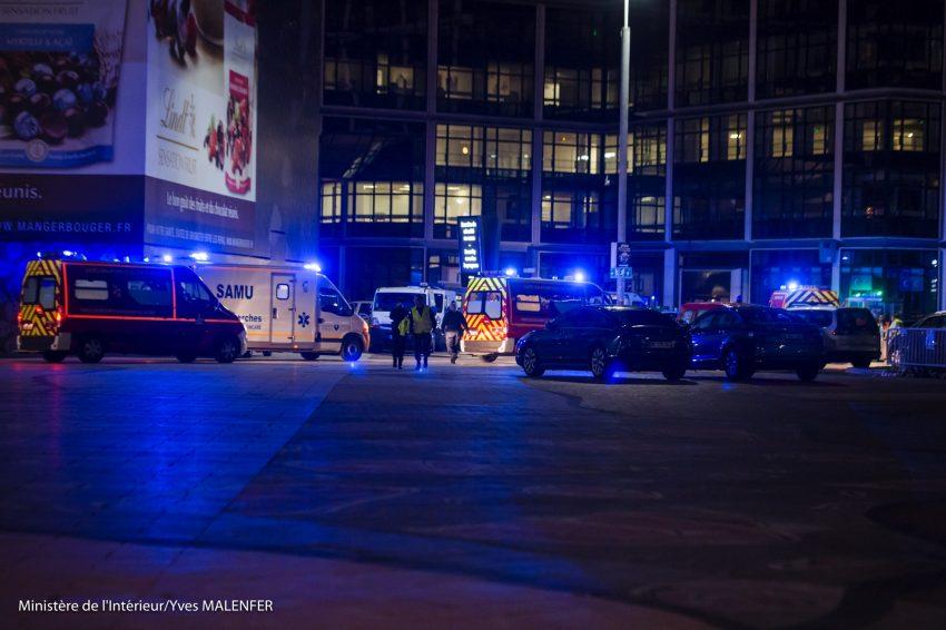 L'exercise de sécurité dans le quartier de La Défense s'est déroulé durant la nuit du lundi 26 au mardi 27 septembre 2016 - Yves Malenfer / Ministère de l'Interieur