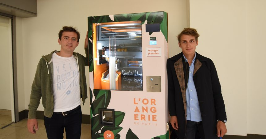 Avec leur distributeur ils proposent un jus d'orange fraichement pressé