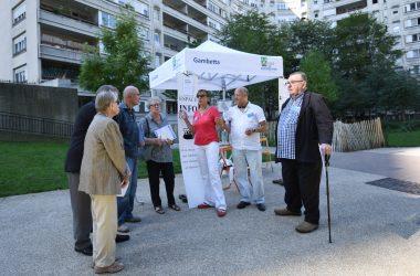 La mairie de Courbevoie part à la rencontre des habitants du quartier Regnault
