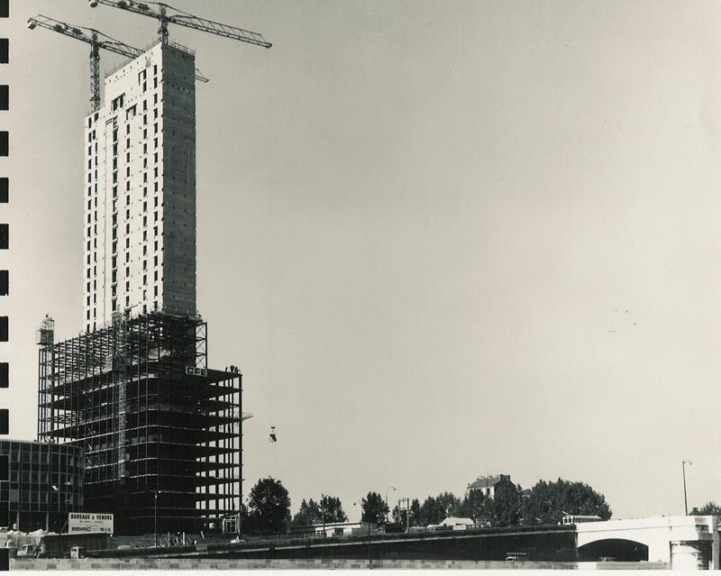 La tour Nobel en construction - DR