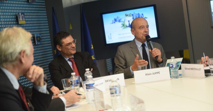 Brexit : Alain Juppé vient soutenir La Défense et la place financière