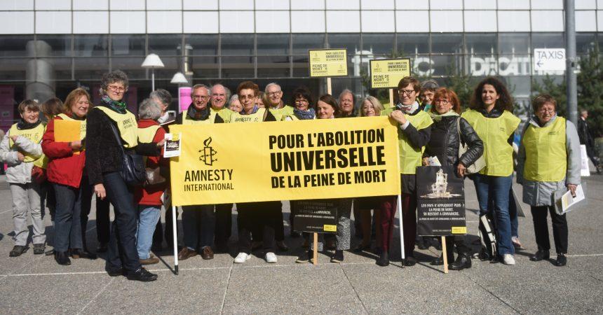 Les militants d'Amnesty International battent  le pavé pour l'abolition partout dans le monde de la peine de mort