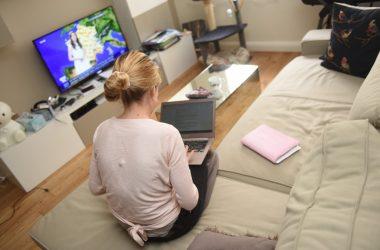 Trois français sur quatre qui travaillent dans un bureau se disent intéressés par le télétravail