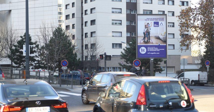Les Toiles Mupi de JCDecaux affichent de nouveau de la pub avec une campagne pour Cogedim