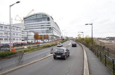 Derrière l'Arche, le boulevard de La Défense va passer à double sens