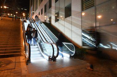 Des escalators tout neufs pour l'escalier Jean-Rodolphe Perronet dans le Faubourg de l'Arche