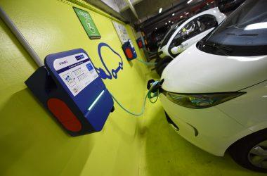Encore plus de bornes pour recharger les véhicules électriques dans les parkings Indigo de La Défense