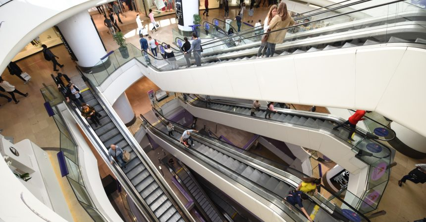 L'employé qui est tombé d'un escalator des 4 Temps est mort