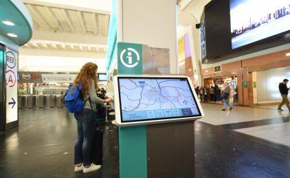"""A La Défense la RATP déploie ses écrans d'informations voyageurs """"Zenway"""""""