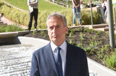 Sans le nommer Jacques Kossowski, le maire de Courbevoie invite à voter Macron