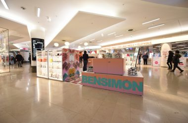 Bensimon et ses petits tennis en toile déploie un pop-up store aux 4 Temps
