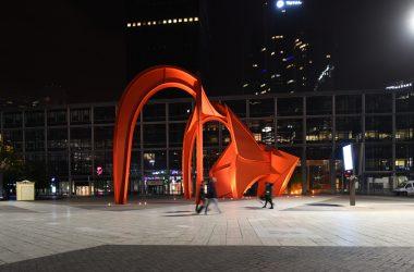 Les œuvres d'art de La Défense sous les feux des projecteurs