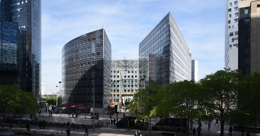 "JP Morgan Asset Management acquiert l'immeuble ""Les Villages de l'Arche 1 & 2"""