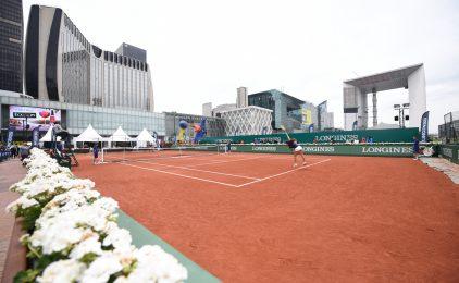 """Un court de tennis sur le parvis de La Défense pour les """"Longines Future Tennis Aces"""""""