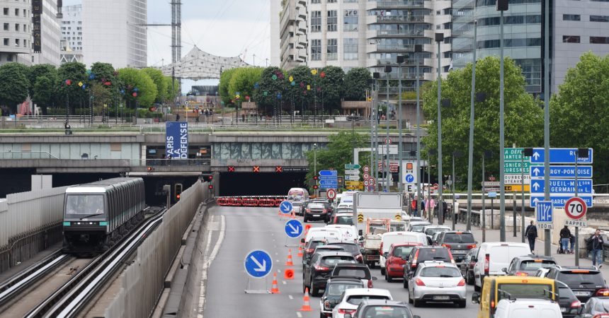 Le tunnel de La Défense fermé plusieurs heures après la coupure d'un câble