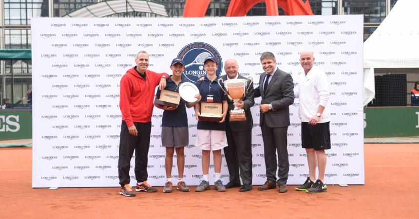"""Agassi et Corretja assurent le show à La Défense pour la finale des """"Longines Future Tennis Aces"""""""