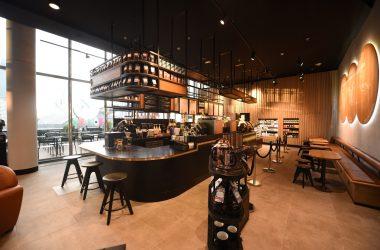 Un Starbucks tout beau, tout neuf aux 4 Temps