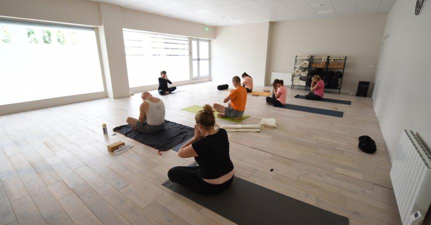 Au pied des tours on peut aussi faire du yoga