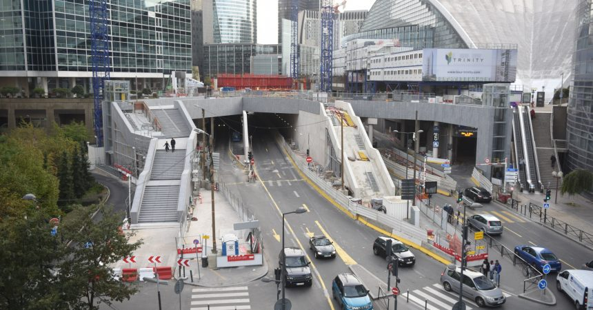 Chantier Trinity : deux nouveaux ascenseurs et un escalier pour enjamber la bretelle d'autoroute